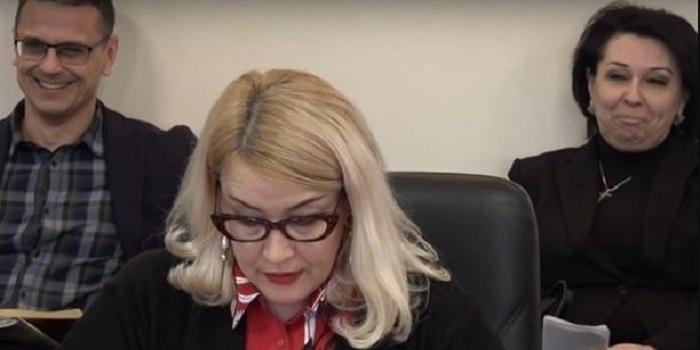 В Кропивницком чиновник смотрел порно на совещании в обладминистрации. ВИДЕО Подробнее читайте на Юж-Ньюз: http://xn----ktbex9eie.com.ua/archives/41420