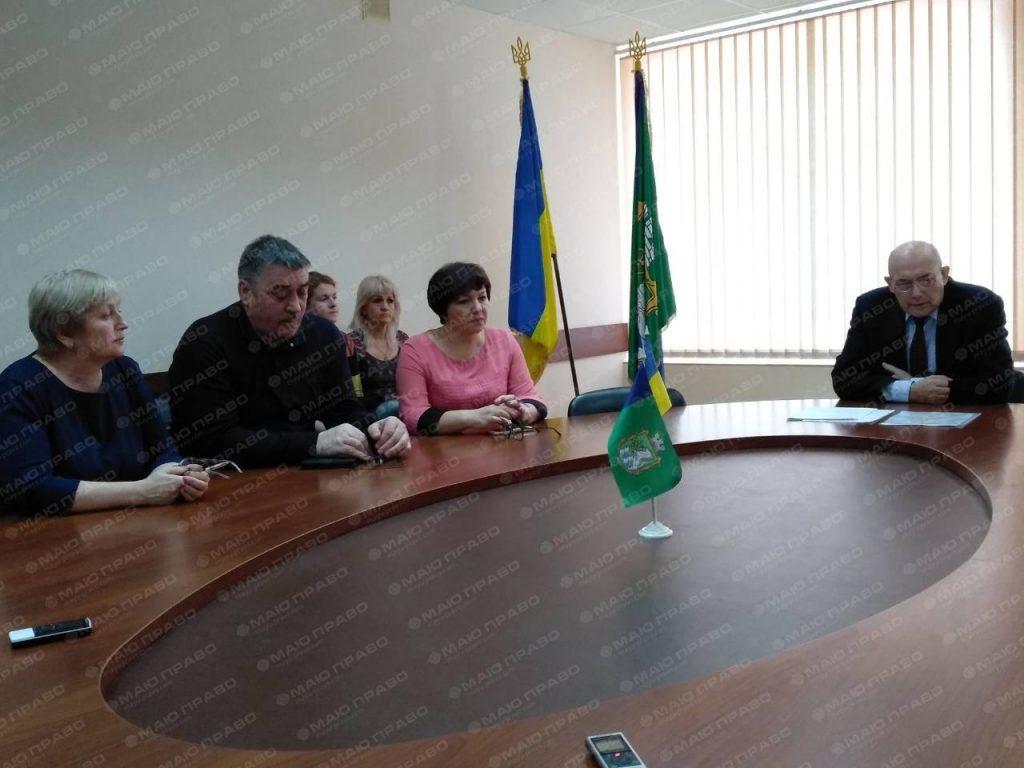 Пароконный не без проблем приступил к обязанностям мэра Южноукраинска Подробнее читайте на Юж-Ньюз: http://xn----ktbex9eie.com.ua/archives/41664