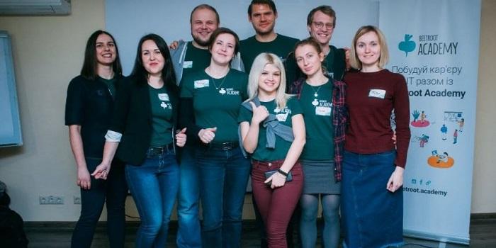 Работа для свободных людей. Как в Николаеве можно попасть в IT? Подробнее читайте на Юж-Ньюз: http://xn----ktbex9eie.com.ua/archives/42604