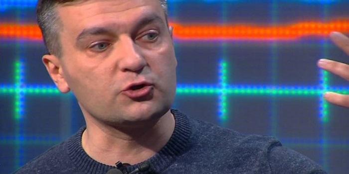 Гнап вслед за Садовым заявил о готовности снять свою кандидатуру в пользу Гриценко Подробнее читайте на Юж-Ньюз: http://xn----ktbex9eie.com.ua/archives/42616