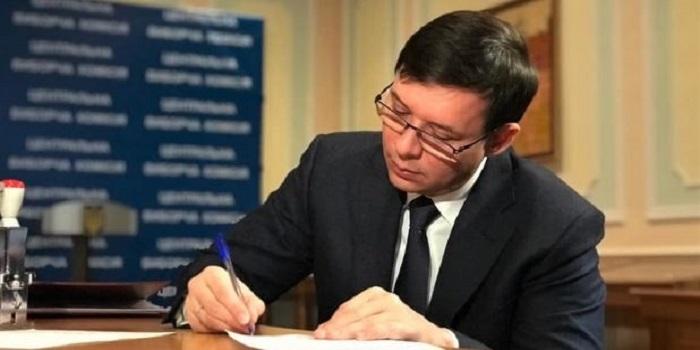 Мураев отказался баллотироваться в президенты в пользу Вилкула Подробнее читайте на Юж-Ньюз: http://xn----ktbex9eie.com.ua/archives/43307
