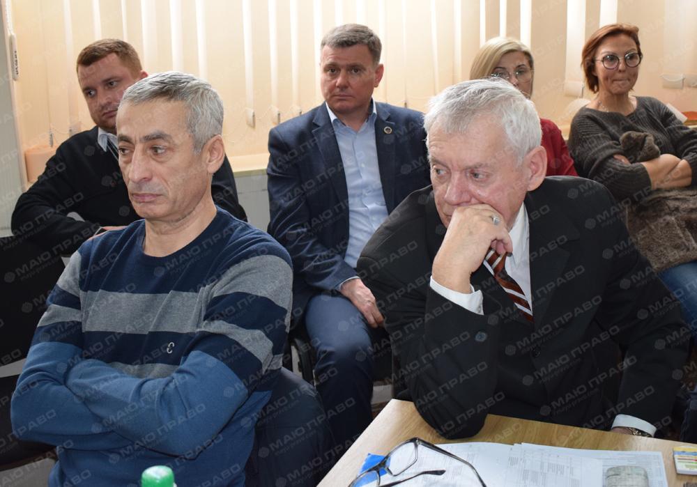 Горностай, Дзюбенко и Зеленюк саботировали сессию Южноукраинского горсовета  Подробнее читайте на Юж-Ньюз: http://xn----ktbex9eie.com.ua/archives/42996