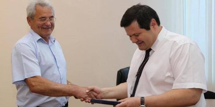 ОП «Южно-Украинская атомная электростанция» — Вручена награда Владимиру Авраменко Подробнее читайте на Юж-Ньюз: http://xn----ktbex9eie.com.ua/archives/51833