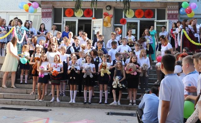 Южноукраїнськ — СВЯТО ОСТАННЬОГО ДЗВОНИКА — Фото  Подробнее читайте на Юж-Ньюз: http://xn----ktbex9eie.com.ua/archives/52851