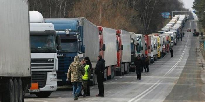 В силу вступают новые ограничения для автомобилистов Подробнее читайте на Юж-Ньюз: http://xn----ktbex9eie.com.ua/archives/53086