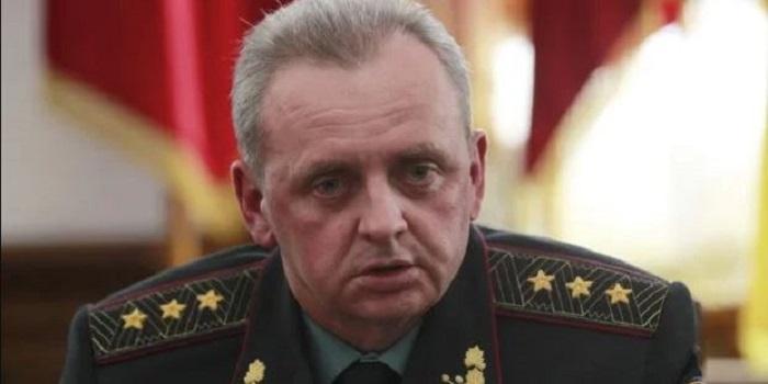 Муженко рассказал, как началась война на Донбассе: «Это все бред» Подробнее читайте на Юж-Ньюз: http://xn----ktbex9eie.com.ua/archives/55144