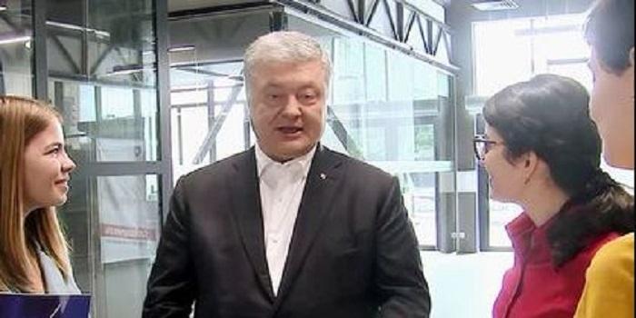 Порошенко планирует стать не депутатом, а «отцом нации» Подробнее читайте на Юж-Ньюз: http://xn----ktbex9eie.com.ua/archives/53326