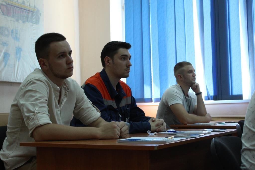 Представители администрации и профкома ОП ЮУАЭС встретились с молодыми специалистами предприятия  Подробнее читайте на Юж-Ньюз: http://xn----ktbex9eie.com.ua/archives/56113