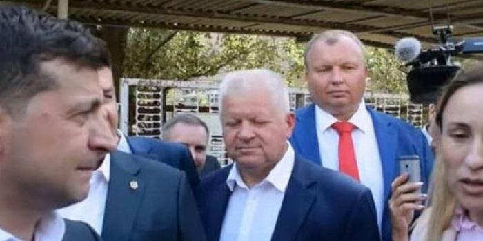 Зеленский жестко ответил на оскорбление: Видео скандала Подробнее читайте на Юж-Ньюз: http://xn----ktbex9eie.com.ua/archives/58989