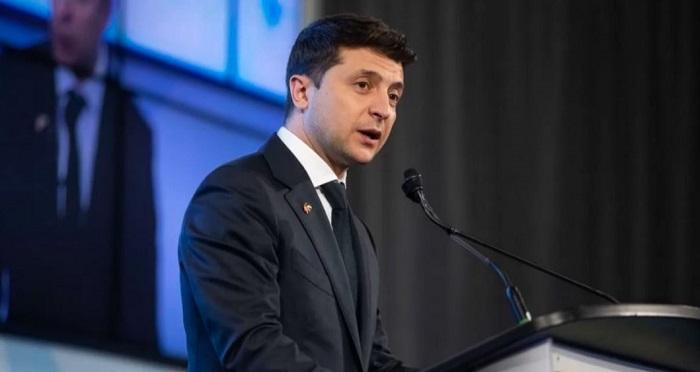 Зеленский: «Мы заплатим 10% от суммы взятки тому, кто сдаст коррупционера» Подробнее читайте на Юж-Ньюз: http://xn----ktbex9eie.com.ua/archives/59988