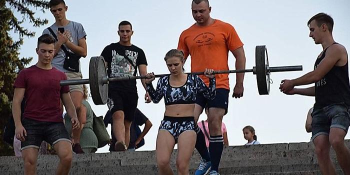 В Николаеве состоялись спортивные соревнования «Ни шагу назад» Подробнее читайте на Юж-Ньюз: http://xn----ktbex9eie.com.ua/archives/60315
