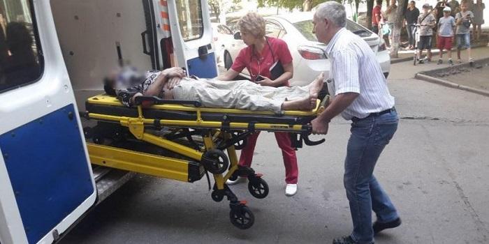 В Южноукраинске спасатели сняли с козырька подъезда мужчину, выпавшего из окна многоэтажки Подробнее читайте на Юж-Ньюз: http://xn----ktbex9eie.com.ua/archives/59797