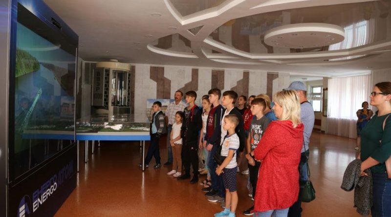 На екскурсію на атомну станцію – за власною ініціативою Подробнее читайте на Юж-Ньюз: http://xn----ktbex9eie.com.ua/archives/58924