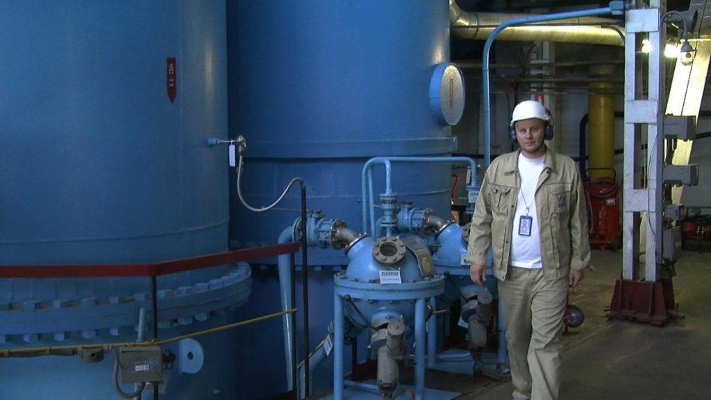 Поддержание в рабочем состоянии системы шариковой очистки трубок конденсатора на энергоблоке №1 Южно-Украинской АЭС — одна из запланированных ремонтных работ  Подробнее читайте на Юж-Ньюз: http://xn----ktbex9eie.com.ua/archives/61629