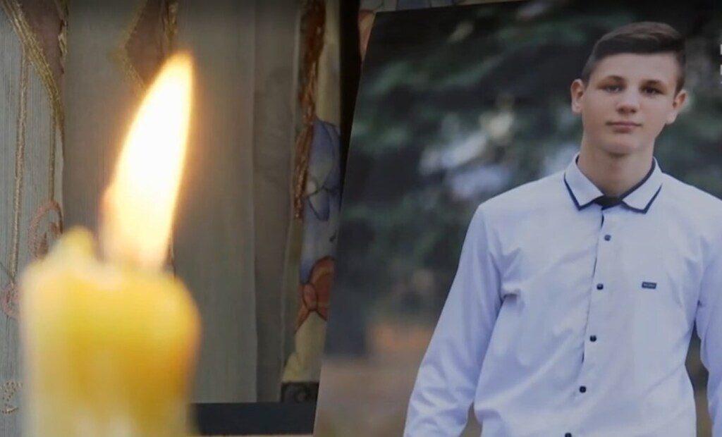 В Прилуках пошли на штурм отделения МВД из-за гибели подростка, отстранен шеф полиции. Что известно о трагедии  Подробнее читайте на Юж-Ньюз: http://xn----ktbex9eie.com.ua/archives/66112