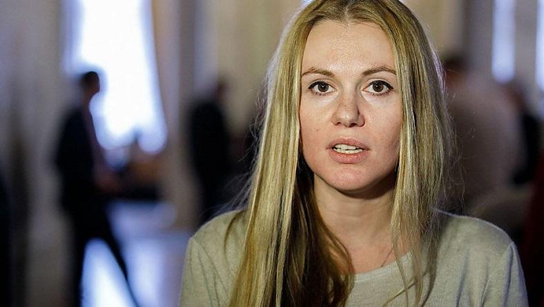 Мужа нардепа от «СН» Скороход, экс-владельца банка в РФ, задержали – она заявила, что это из-за ее позиции по рынку земли Подробнее читайте на Юж-Ньюз: http://xn----ktbex9eie.com.ua/archives/67007