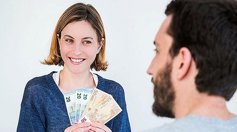 Две 55-летние жительницы Южноукраинска отдали мошенникам 5 тысяч евро под предлогом получения подарков от поклонников из США Подробнее читайте на Юж-Ньюз: http://xn----ktbex9eie.com.ua/archives/67537