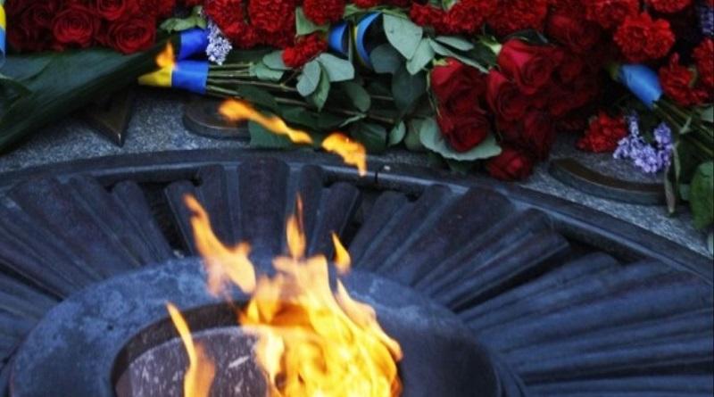 В Украине сегодня День скорби и чествования памяти жертв войны Подробнее читайте на Юж-Ньюз: http://xn----ktbex9eie.com.ua/archives/81143/%D0%B2-%D1%83%D0%BA%D1%80%D0%B0%D0%B8%D0%BD%D0%B5-%D1%81%D0%B5%D0%B3%D0%BE%D0%B4%D0%BD%D1%8F-%D0%B4%D0%B5%D0%BD%D1%8C-%D1%81%D0%BA%D0%BE%D1%80%D0%B1%D0%B8-%D0%B8-%D1%87%D0%B5%D1%81%D1%82%D0%B2%D0%BE