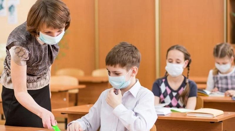 В Николаевской ОГА рассказали, кто должен обеспечить масками учителей и учеников