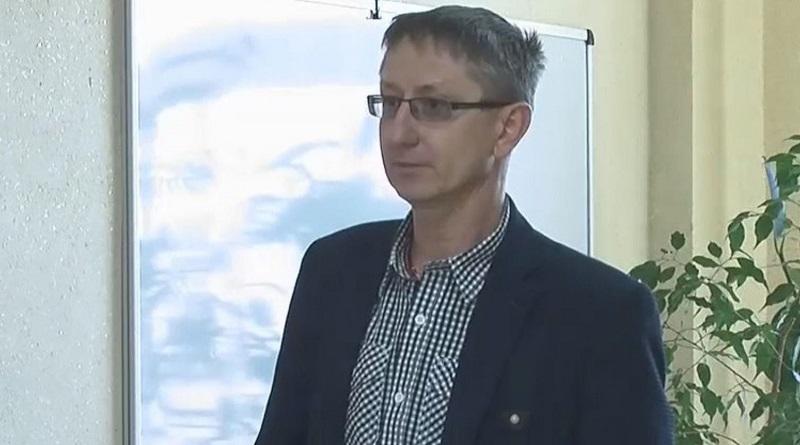 «Анатолий всемогущий!» - теперь только так позиционирует себя главврач Южноукраинского центра первичной помощи, Анатолий Никитин.