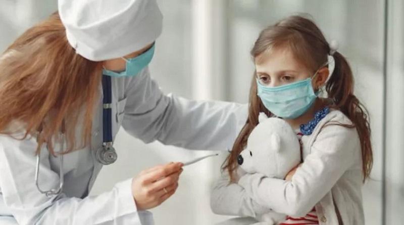 Врач назвала характерные симптомы COVID-19 у детей