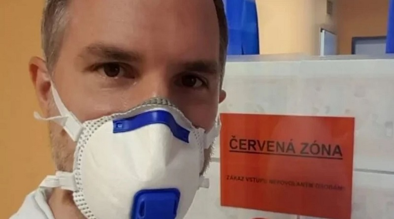 Мэр Праги отправился работать волонтером в госпиталь, где лечат пациентов с коронавирусом