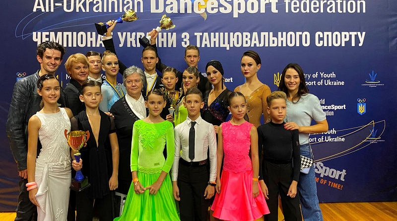 Южноукраїнськ - Танцюристи «Натхнення» - знову серед кращих. Фото.