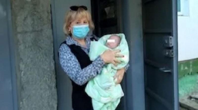 Жительница Вознесенска «подбросила» свою полуторамесячную дочь соседке и пропала