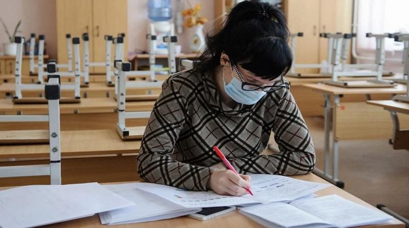 ВОЗ выступила против закрытия школ из-за COVID