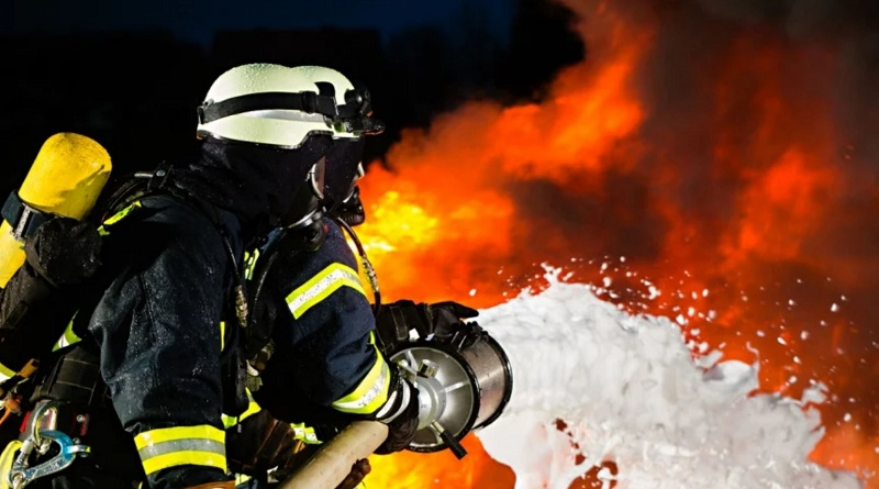 В Южноукраинске горела «Мазда»: причина возгорания устанавливается