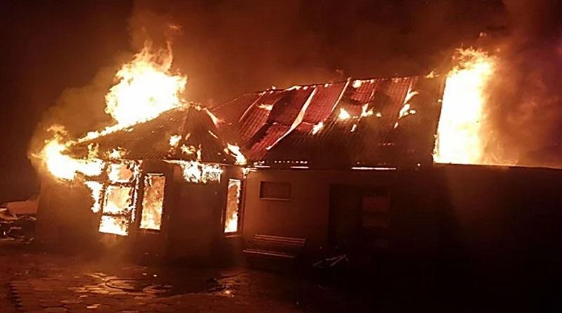 Под Одессой сгорел жилом дом из-за новогодней гирлянды