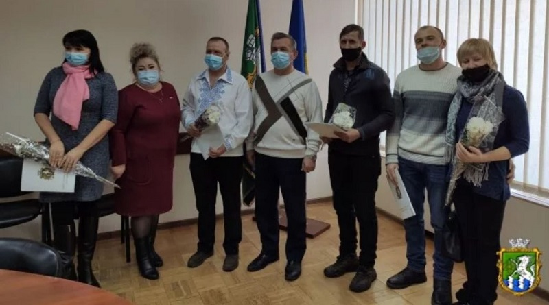 Южноукраїнськ - ВРУЧЕННЯ ОРДЕРІВ ТА КЛЮЧІВ ВІД КВАРТИР УЧАСНИКАМ АТО