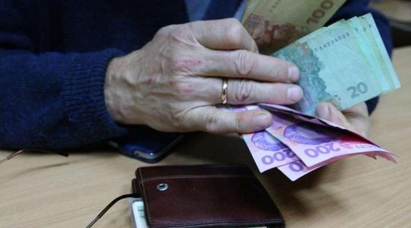 Прибавки к пенсиям за стаж пересчитают дважды: кто и сколько получит