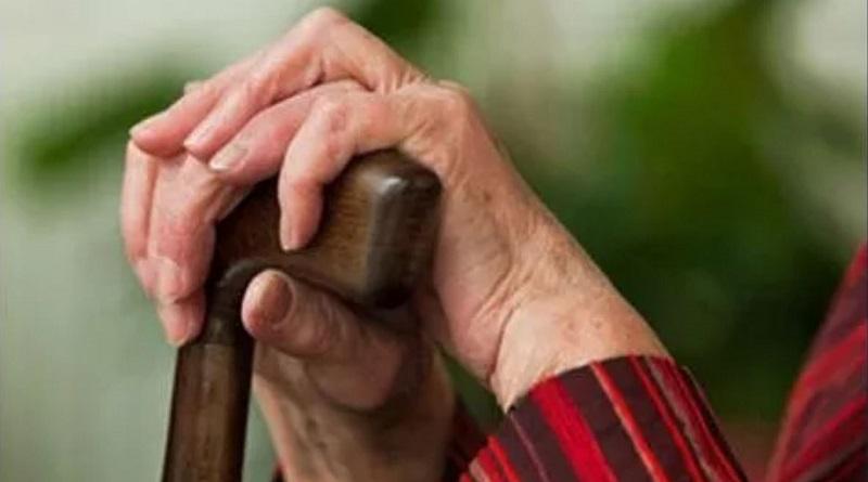 Пенсионный возраст для женщин повысят через месяц: кого это коснется