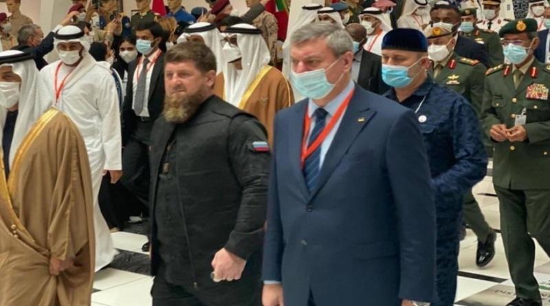 Шмыгаль потребовал от своего зама объяснений за фото с Кадыровым