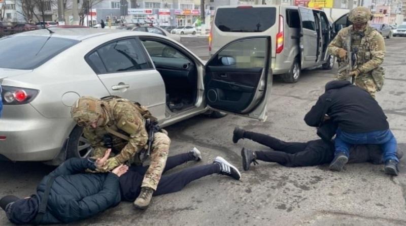 Держала в страхе жителей: в Николаеве СБУ нейтрализовала преступную группировку