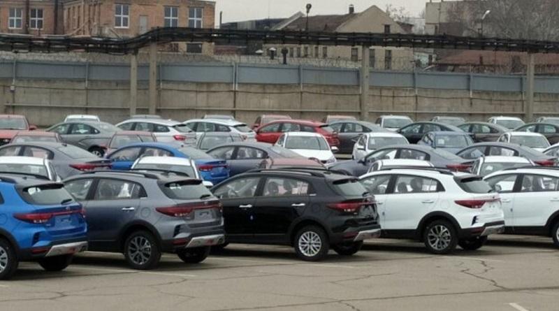 Территорию ЗАЗ заполонили секретные модели KIA: как они выглядят
