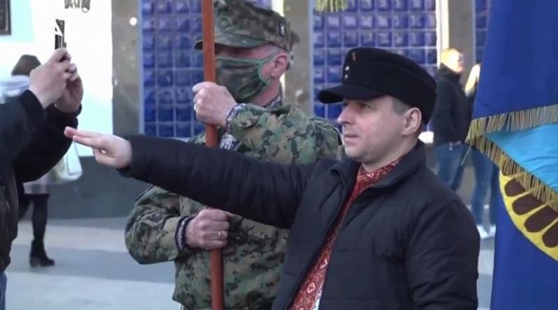 «Зигование запрещено»: Арахамия анонсировал заявление «Слуг» по поводу марша СС «Галичина» в Киеве