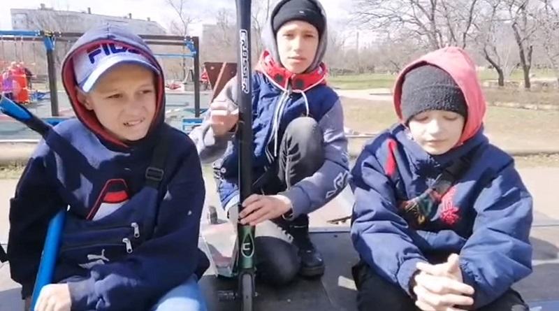 Южноукраинск - Дети Требуют Внимания!!! Городские власти они приедут к вам на самокатах. Александр Надёжа. Видео.