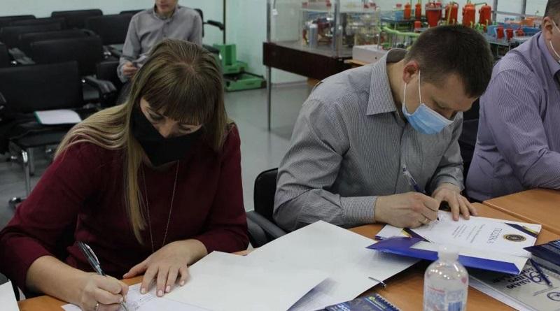 В інформцентрі ЮУАЕС підбили підсумки першого етапу Всеукраїнського конкурсу рефератів «Ядерна енергія і світ»