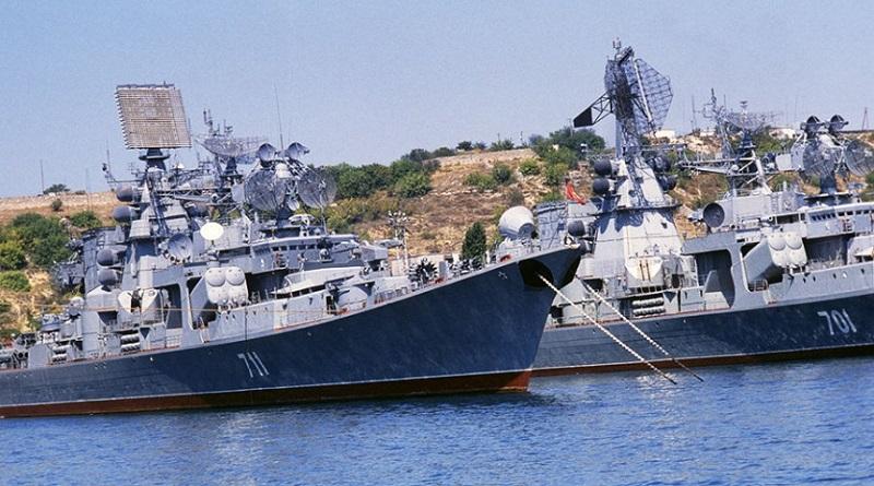 В Черное море близ Крыма зашли 15 военных кораблей РФ - СМИ