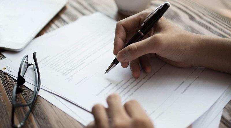 Банкам запретили использовать мелкий шрифт в договорах