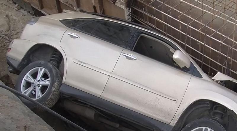 Южноукраїнськ - Lexus у котловані