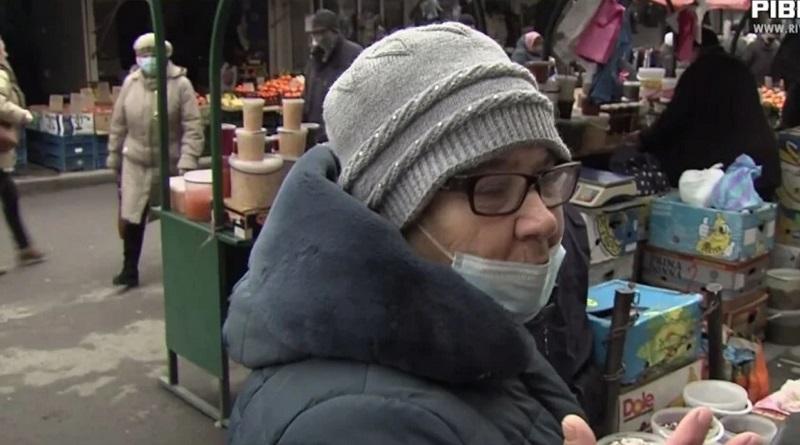 Украинцам пообещали до конца года дважды повысить пенсии