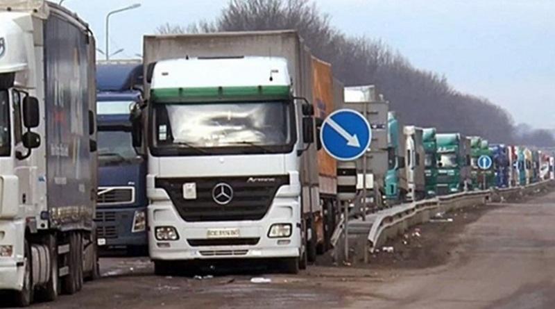 В Украине ограничили движение грузовиков: что изменилось