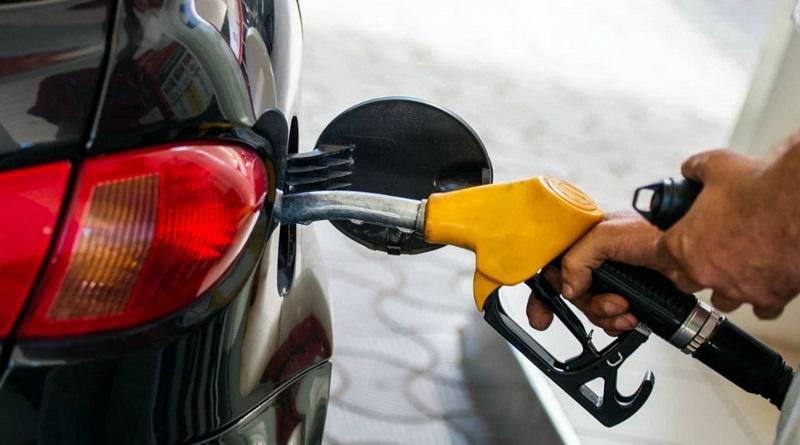 Беларусь передумала перекрывать поставки бензина в Украину