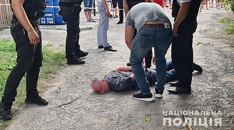 Возле магазина взорвали гранату – пострадали шесть человек, в том числе ребенок