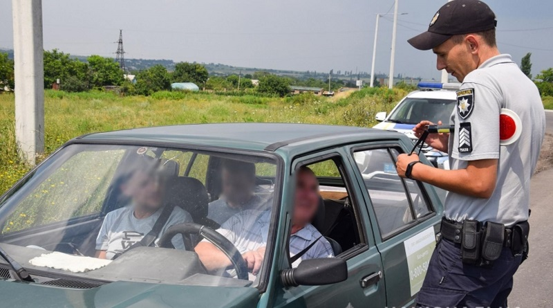 В Николаевской области увеличили количество полицейских патрулей на дорогах: за 2 дня - 230 нарушений