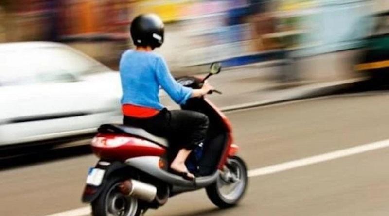 Нужны ли скутеристу водительские права: суд дал разъяснения