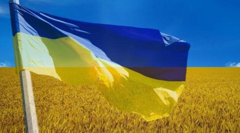 «Гигантомания» и «бутафорский патриотизм» - депутатская комиссия согласовала выделение 5 млн на флаг